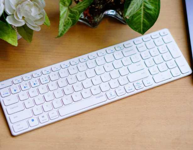 多模共享刀锋,雷柏E9350G无线蓝牙键盘